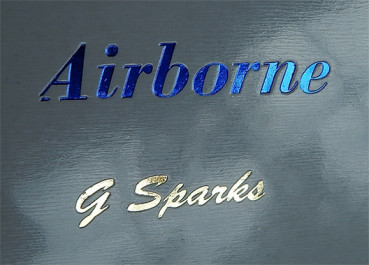 Airborne with the Greatest of Ease by G Sparks - Schwebendes Glas Zaubertrick