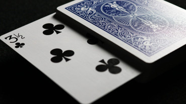 Gaff Card - (3 1/2 of Clubs) - Bicycle - Blau